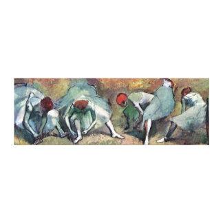 Edgar Degas - Ballett-Tänzer, die Schuhe binden Leinwanddruck