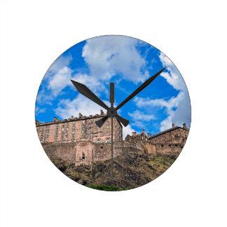 Edinburgh-Schloss Schottland Runde Wanduhr