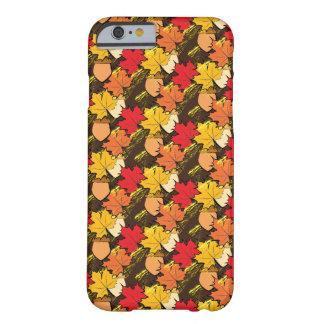 Eicheln und Blätter IV Barely There iPhone 6 Hülle