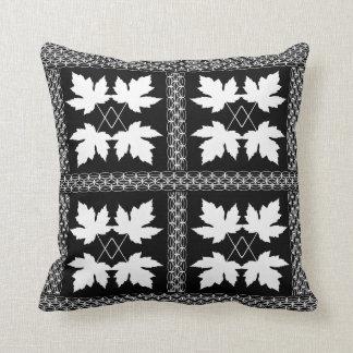 Eichen-Blatt-weiße schwarze Natur-populäre Kissen