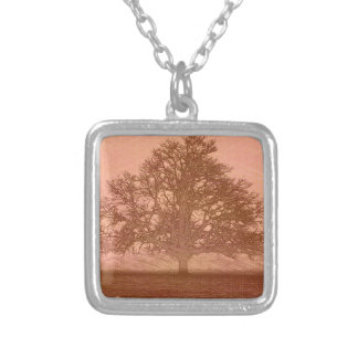 Eichenbaum-Silhouette des Erdtagessonnenuntergangs Versilberte Kette