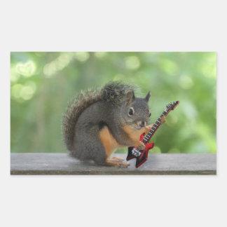 Eichhörnchen, das E-Gitarre spielt Rechteckige Aufkleber