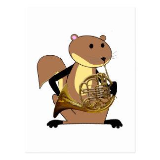 Eichhörnchen, welches das französische Horn spielt Postkarte