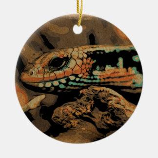 Eidechse auf der lauer keramik ornament