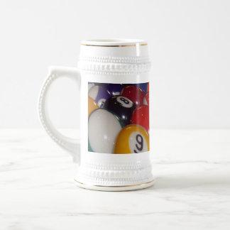 Eightball die traditionellen Farben, Bierglas