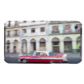 Ein altes kreuzendes Auto die Straßen von Havana, iPod Touch Etuis