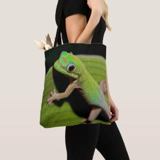 Ein Baby-GrünGecko Tasche