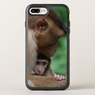 Ein Baby-Macaque und es sind Mutter OtterBox Symmetry iPhone 8 Plus/7 Plus Hülle