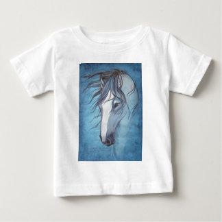 Ein blaues roan Pferd im Wind Baby T-shirt