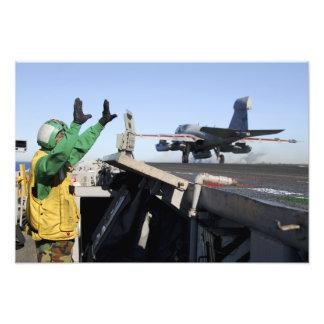Ein EA-6B Prowler startet vom Führerraum Photographien