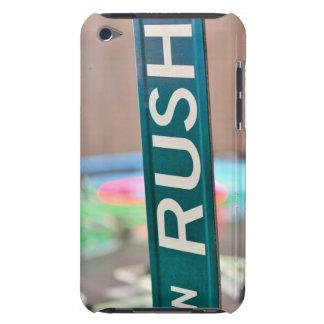 Ein Eile-Straßen-Straßenschild vor einem Neon iPod Touch Case-Mate Hülle