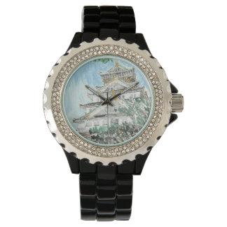 Ein einer netten Osaka-Schloss-Japan-Uhr Uhr