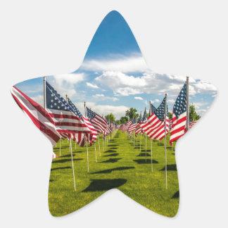 Ein Feld der amerikanischer Flaggen auf V-tägiger Stern-Aufkleber