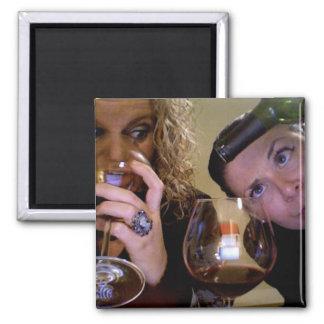 Ein Freund macht IMMER ein Glas halb voll Quadratischer Magnet