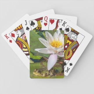Ein Frosch unter einer Seeroseblume Spielkarten