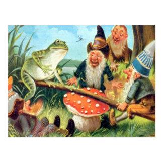 Ein Gnome und ein Frosch auf einem Pilz-ständigen Postkarte