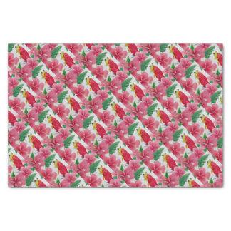 Ein grüner Baumfrosch unter rosa Hibiskus Seidenpapier