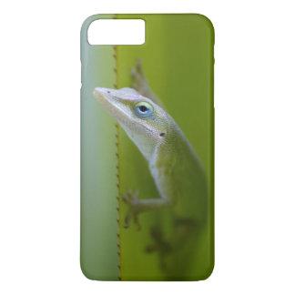 Ein grünes anole ist eine arboreal Eidechse iPhone 7 Plus Hülle