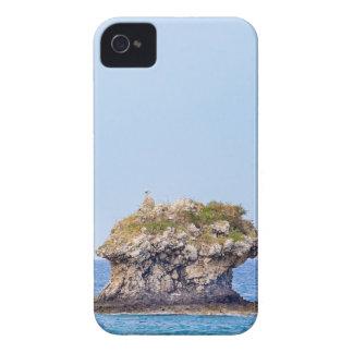 Ein hervorragender Felsen, der vom Meeresspiegel Case-Mate iPhone 4 Hülle