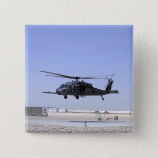 Ein HH-60G pflastern den Falken, der vom Lager Quadratischer Button 5,1 Cm