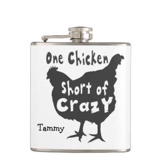 Ein Huhn kurz von verrücktem Flachmann