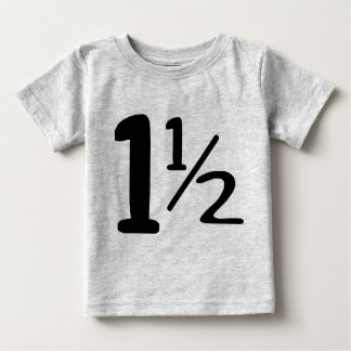 Ein Jahr und halbes Kleinkind-T-Shirt Baby T-shirt