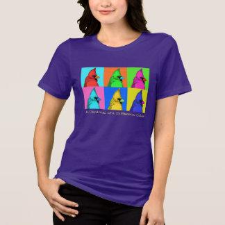 Ein Kardinal eines T - Shirt der verschiedenen