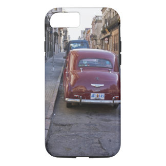 Ein klassisches altes rotes Peugeot-Auto parkte iPhone 8/7 Hülle