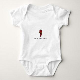 Ein kleiner Chili Baby Strampler