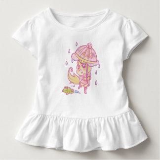 Ein kleiner Fuchs der Regen Kleinkind T-shirt