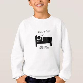 Ein Körper an der Erholung neigt, am Sweatshirt