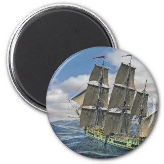 Ein Korvette-Schiff, das vor dem Wind läuft Runder Magnet 5,1 Cm