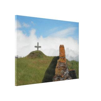 Ein Kreuz in der Landschaft Leinwanddruck