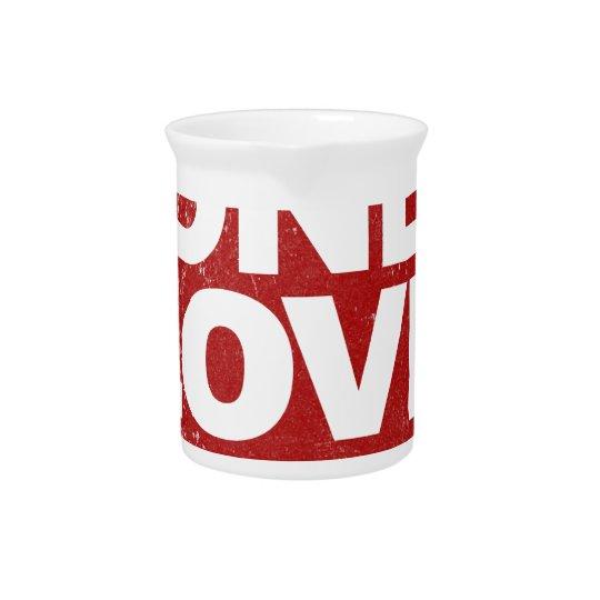Ein Liebe-Plakat Getränke Krüge
