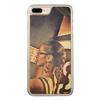 ein Mädchen Carved iPhone 8 Plus/7 Plus Hülle