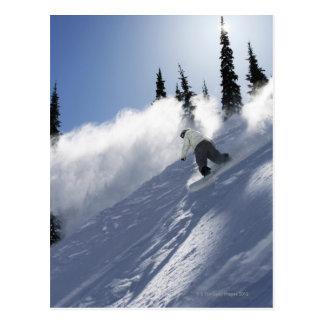 Ein männlicher Snowboarder, der Pulver in Idaho Postkarte