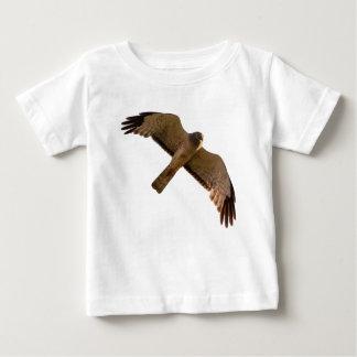 Ein Nordgeländeläufer steigt oben an Baby T-shirt