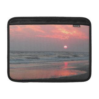 Ein perfekter Sonnenuntergang - Eichen-Insel, MacBook Air Sleeve