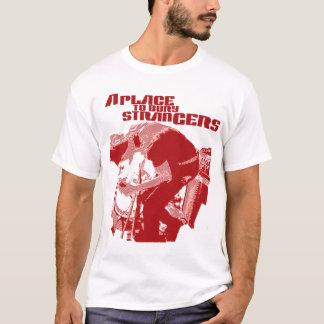 Ein Platz, zum Fremd-des roten Fremd-T-Shirts zu T-Shirt
