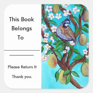 Ein Rebhuhn in einer Birnen-Baum-Buch-Platte glatt Quadratischer Aufkleber