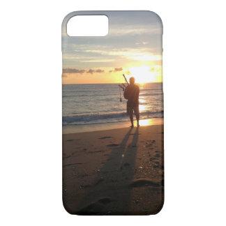 ein schöner Sonnenaufgang am Strand mit Musik iPhone 8/7 Hülle