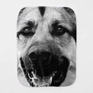 Ein Schwarzweiss-Schäferhund-Hund Spucktuch