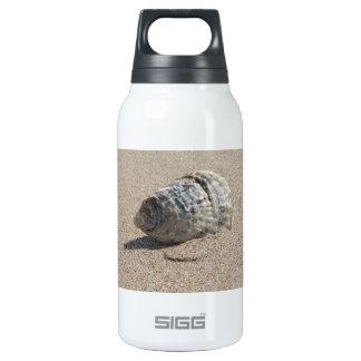 Ein Seeoberteil Isolierte Flaschen
