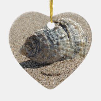Ein Seeoberteil Keramik Herz-Ornament
