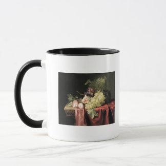 Ein Stillleben mit Trauben, Pflaumen Tasse