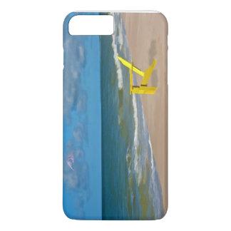 Ein Strand irgendwo und Strand-Stuhl iPhone 8 Plus/7 Plus Hülle