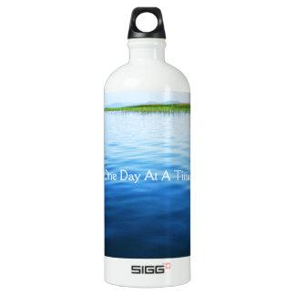 Ein Tag auf einmal Wasserflasche
