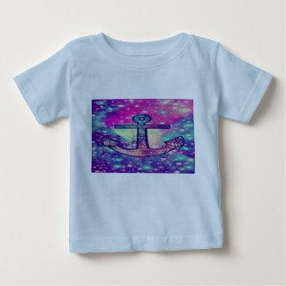 Ein übersichtliches Design ziehen immer tiefen Baby T-shirt