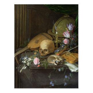 Ein Vanitas Stillleben mit einem Nautilus und Postkarte