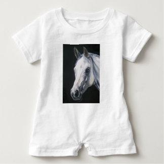 Ein weißes Pferd Baby Strampler